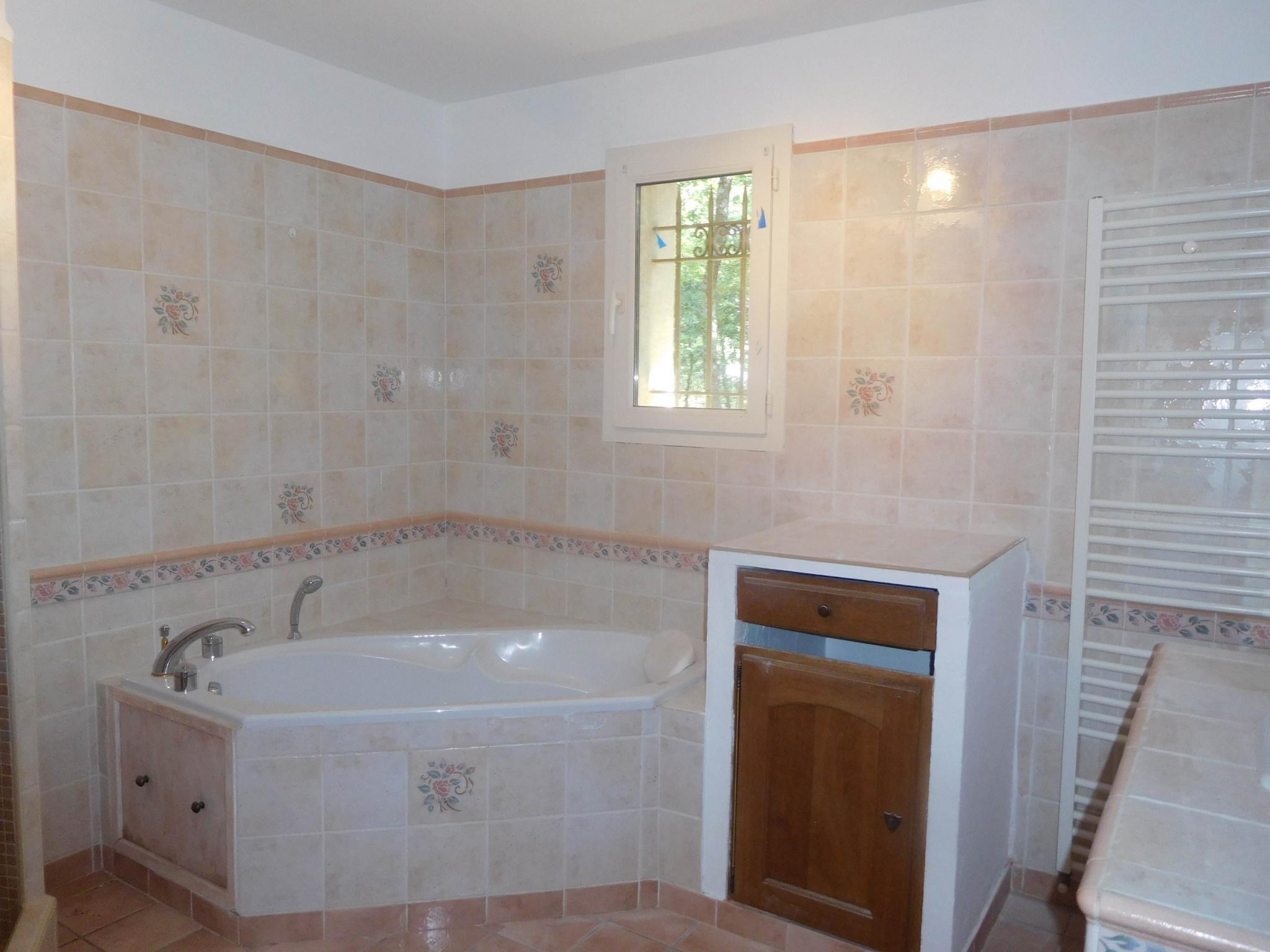 Pleasing For Sale Recent House In Quiet Roussillon 5 Rooms Download Free Architecture Designs Griteanizatbritishbridgeorg